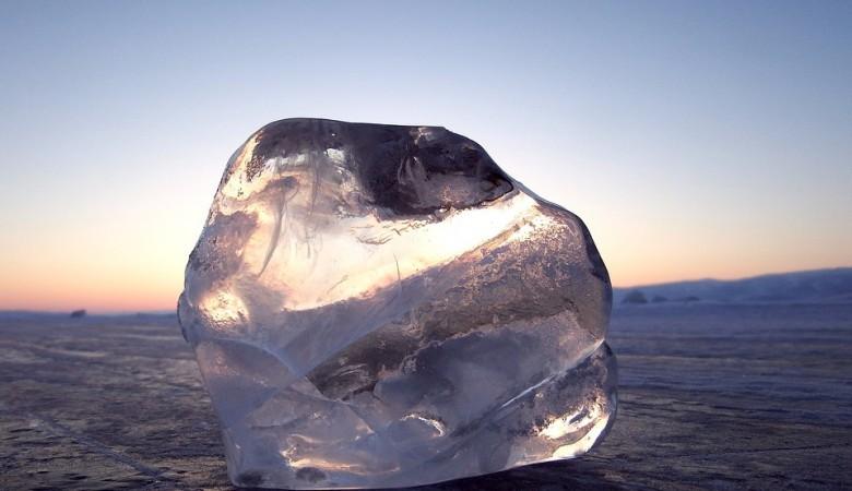 Запущена программа чартерных рейсов на Байкал, туристам предлагают выход на лед