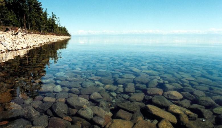 Турист из Великобритании погиб на Байкалe, сорвавшись с обрыва