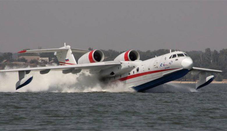 Самолет-амфибия остановил лесной пожар в 7 км от забайкальского поселка