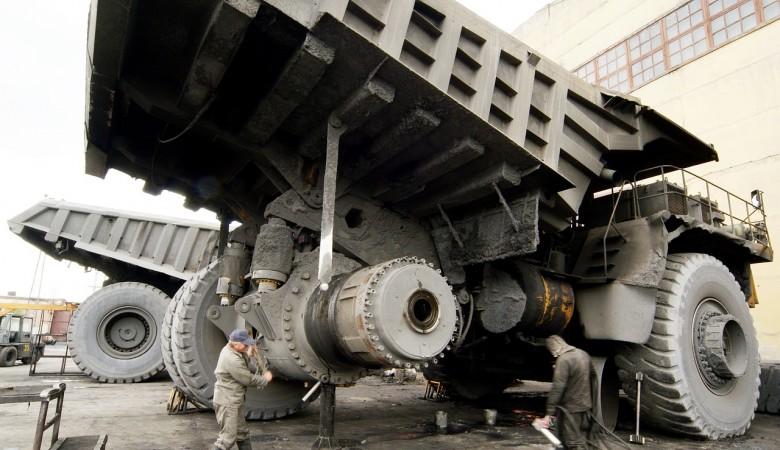 Водитель погиб при опрокидывании БЕЛАЗа в Кузбассе