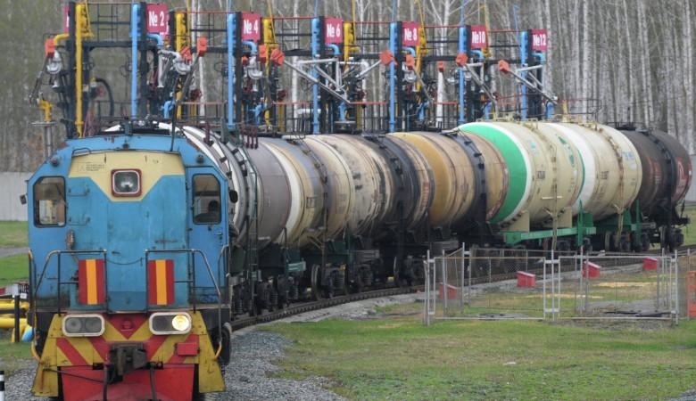 Казахстан с июля начал экспорт бензина в Таджикистан по 20 тыс. тонн в месяц
