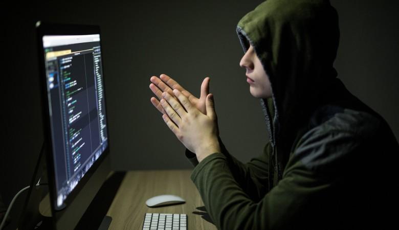 В Омске 17-летний студент пытался взломать сервер правительства региона