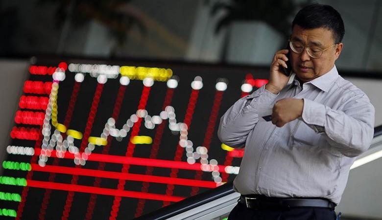 Биржи Китая восстанавливаются после падения на 2% днем ранее