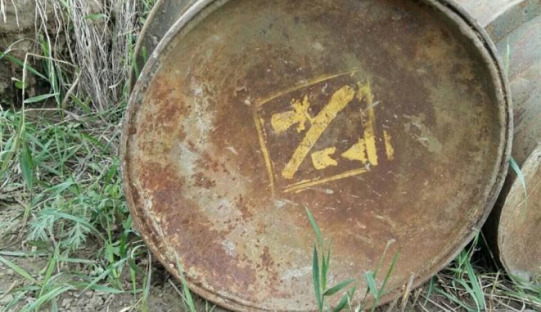 Под Красноярском отыскали бочки смаркировкой обопасном содержимом