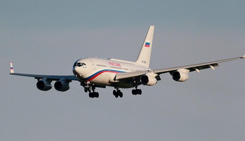 Самолет Путина приземлился в Хакасии