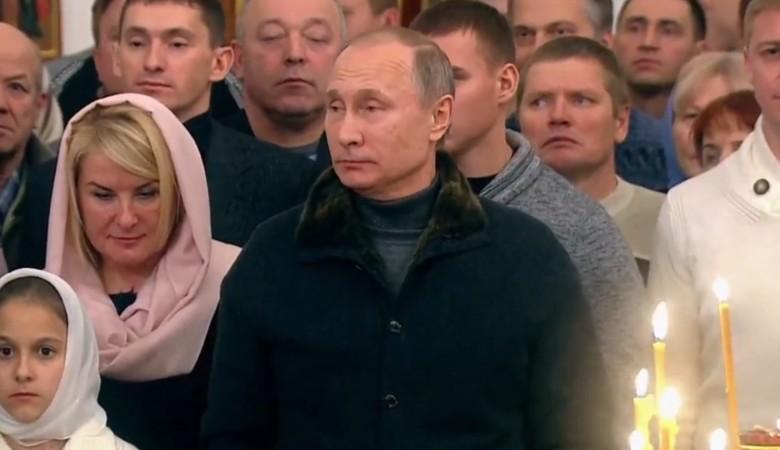 Путин принял участие в рождественском богослужении в новгородском монастыре