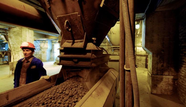 Сибцем в I полугодии увеличил выпуск цемента на 2%