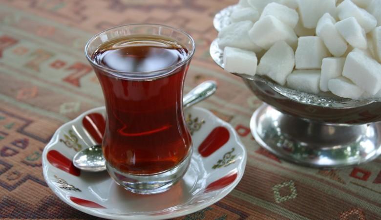 Аман Тулеев потребовал открыть кзиме губернаторские чайные
