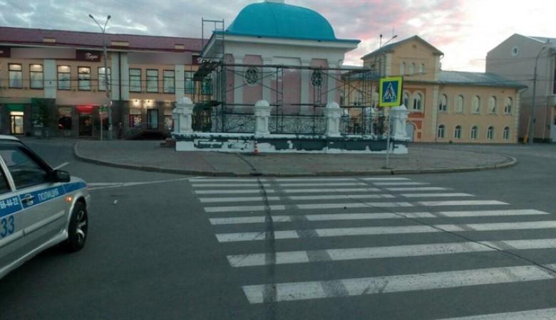 В Томске Nissan протаранил часовню