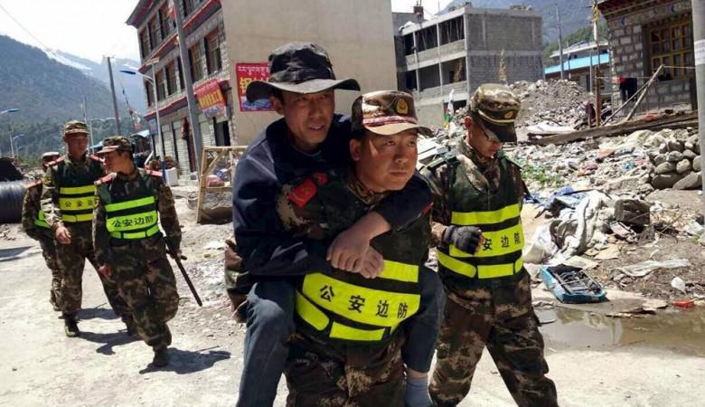 Около 200 человек пострадали в результате мощного землетрясения в КНР, туристы эвакуированы