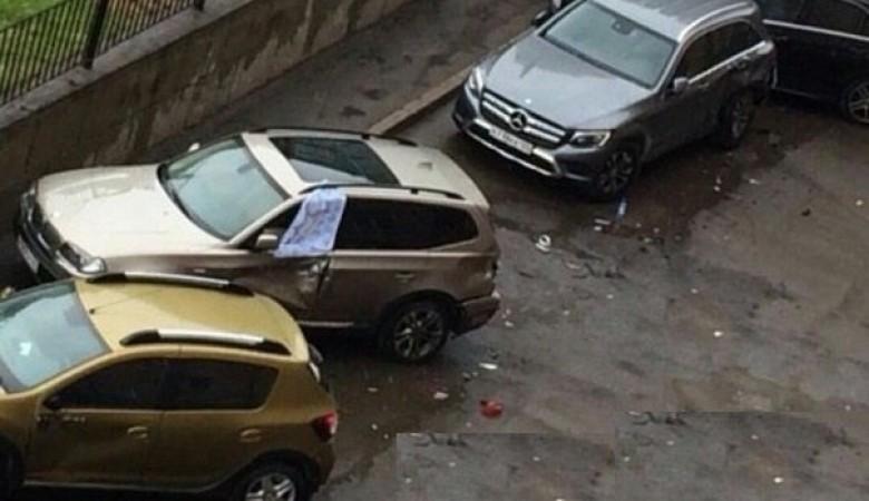 Пьяная дама во время парковки разбила 10 машин в Красноярске