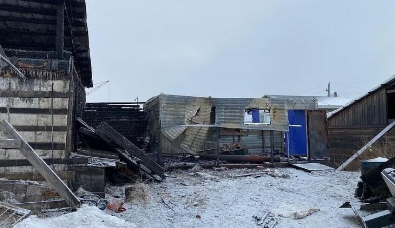 Двое рабочих погибли в пожаре на лесопилке в Канске