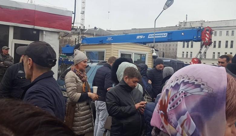 Предприниматели перекрыли дорогу в Красноярске, протестуя против сноса торговых павильонов