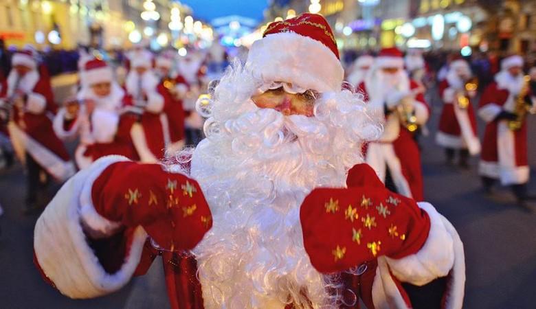 В Новосибирске в детсады запретили приглашать Дедов Морозов