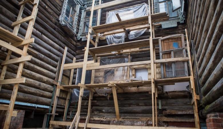 Томская мэрия выставит на торги аренду 14 старинных деревянных домов за 1 рубль каждый