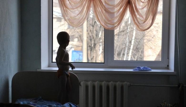 Работники соцподдержки в Хакасии забрали ребенка у бабушки, потому что «так захотелось»