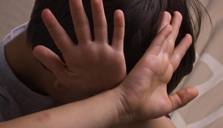 Семнадцатилетняя няня в Красноярске поливала связанного ребенка кипятком, возбуждено дело