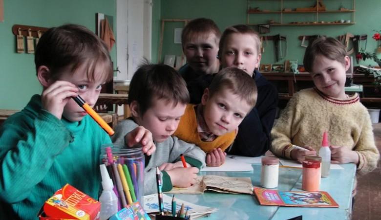 Дело о вымогательстве более 2 млн руб у сирот в Кузбассе ушло в суд