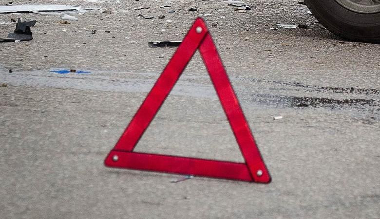 Четыре человека погибли в столкновения маршрутки и легкового автомобиля под Омском