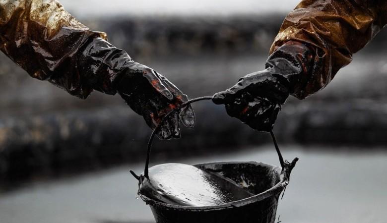 Нефть из старого трубопровода в Иркутской области попала в Ангару