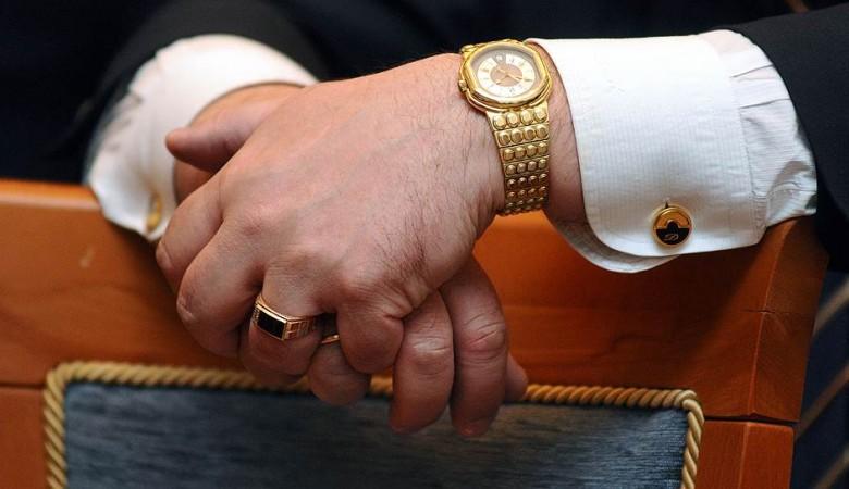 Глава Хакасии будет премировать своих чиновников, несмотря на скандал с огромной премией своему заму
