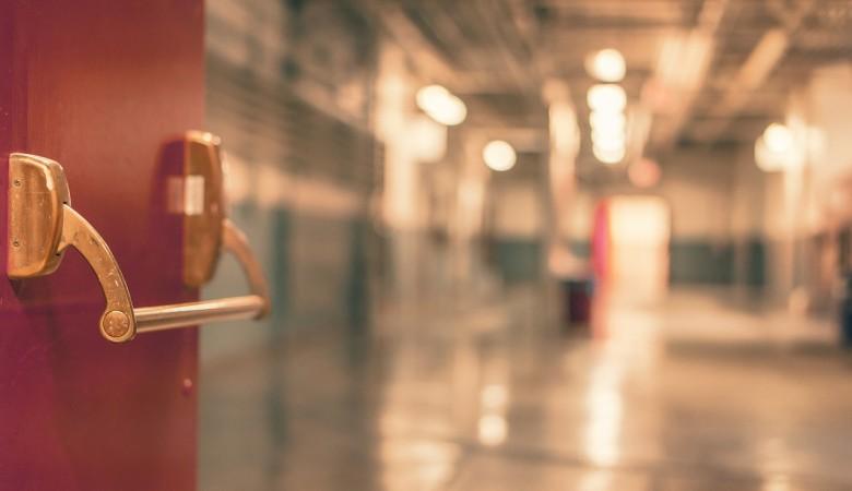 Два школьника в Красноярском крае госпитализированы из-за отравления снюсом