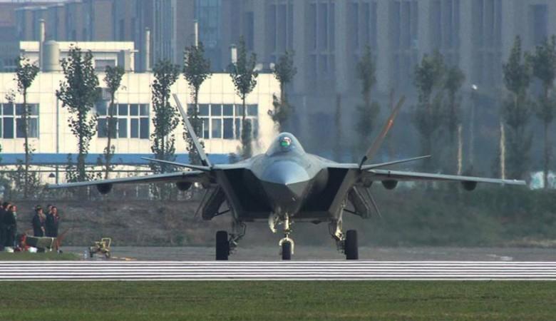 Китайский истребитель пятого поколения J-20 получит национальные двигатели