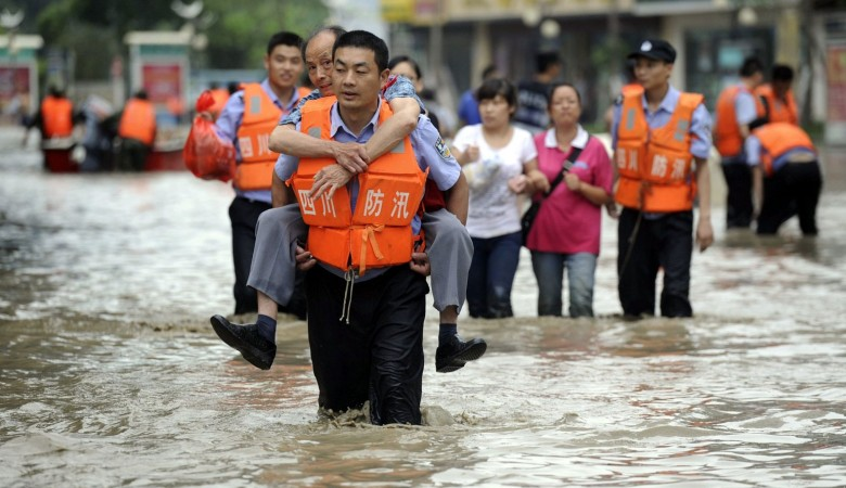 Десять человек погибли из-за наводнения вКитайской республике