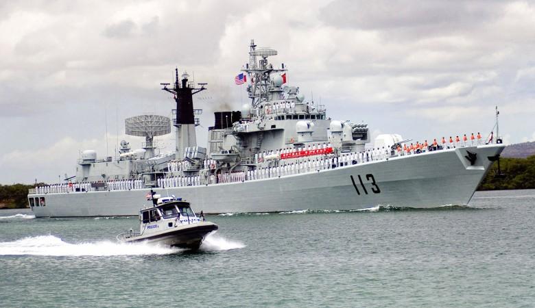 Сразу два ракетных эсминца проекта 052D спустили на воду в Китае