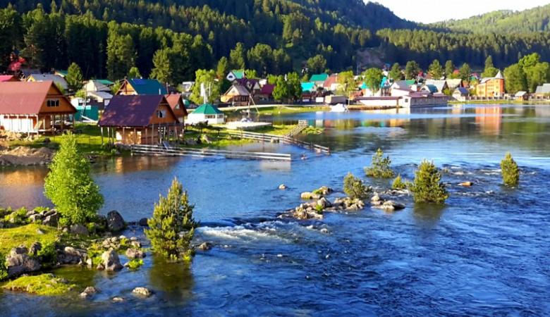Уровень воды в Телецком озере и реке Бии может достичь опасных отметок