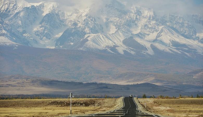 В горах Алтая из-за сильной жары начал таять снег – регион ждет паводок