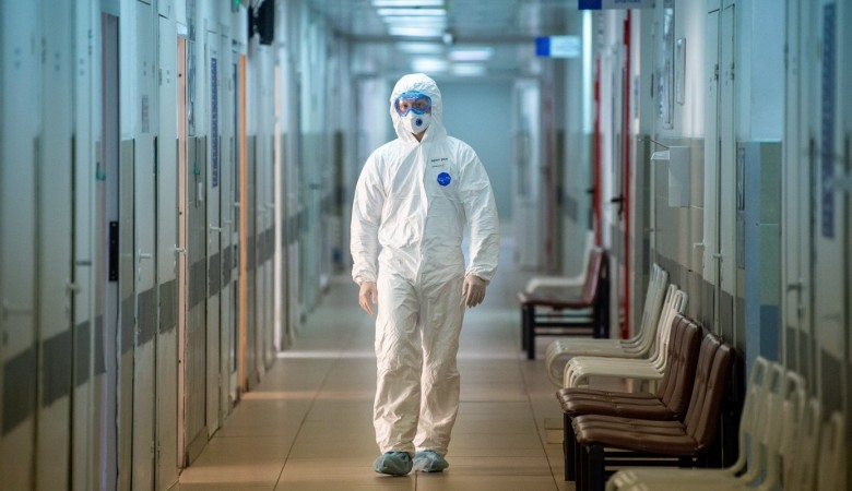 В России еще 26 338 человек заразились COVID-19