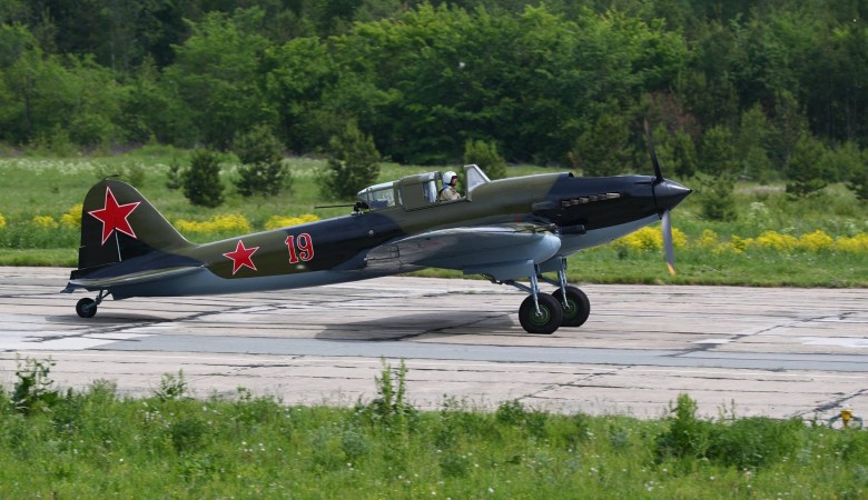 Легендарный штурмовик Ил-2, отреставрированный в Новосибирске, поднялся в воздух