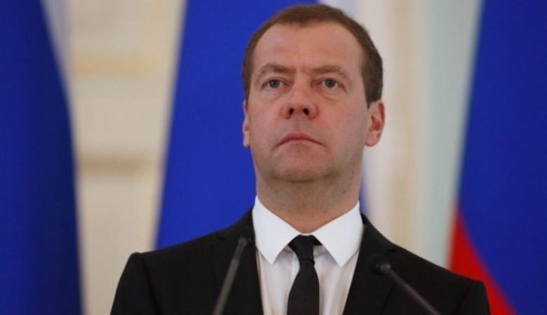 Медведев поздравил Алтайский край с80-летием