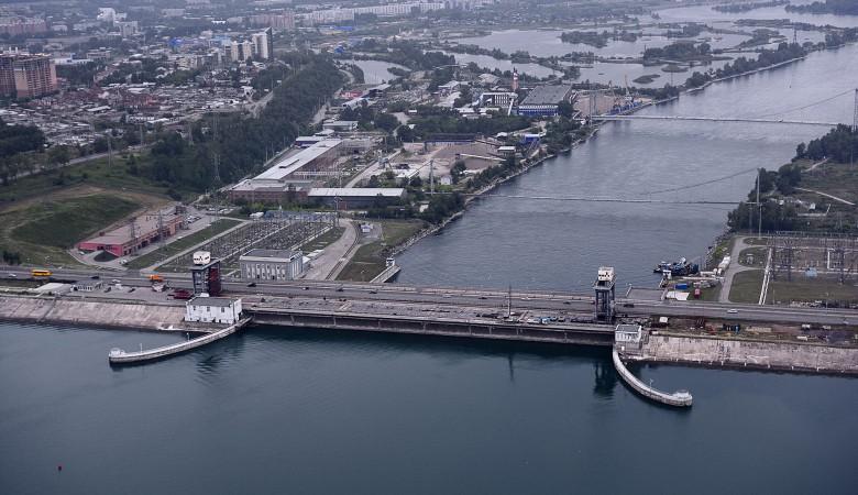Иркутская ГЭС вновь уменьшила сброс воды из-за угрозы подтоплений
