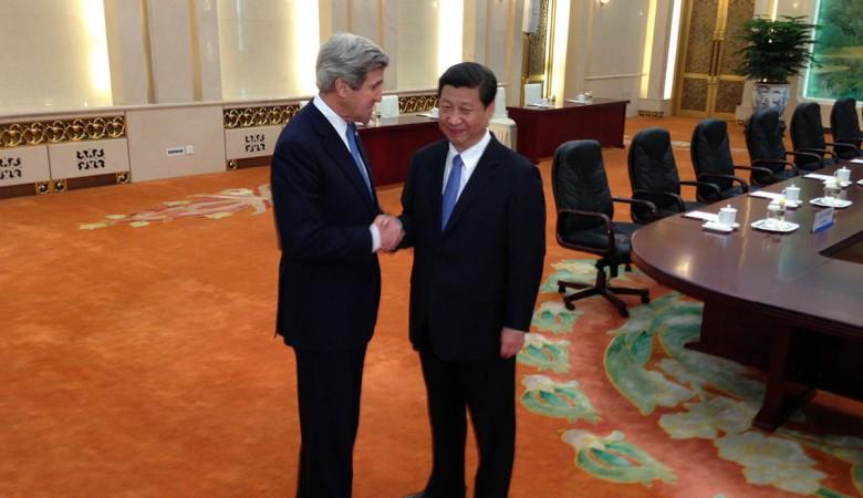 Обзор прессы Китая: «дружеское рукопожатие» Си Цзиньпина и Джона Керри