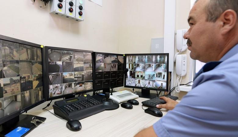 В детских клиниках Новосибирска поставят камеры после избиения девочки-отказника