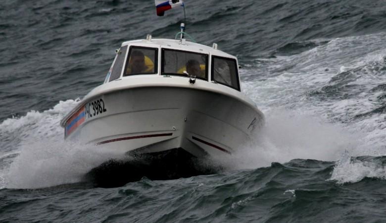 Моторная лодка с пассажирами перевернулась под Красноярском