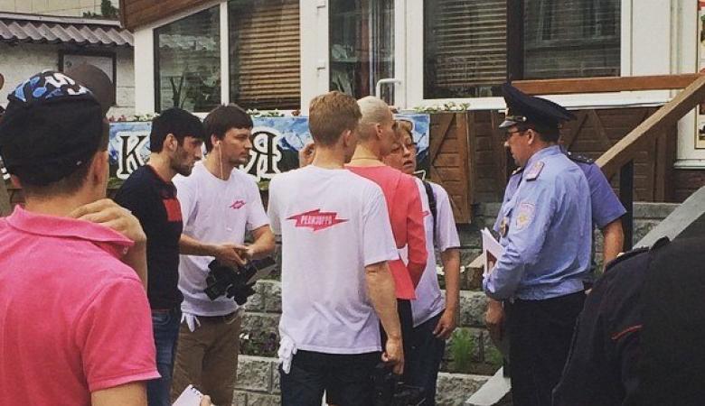 В омском ресторане избили журналистов телеканала «Пятница»