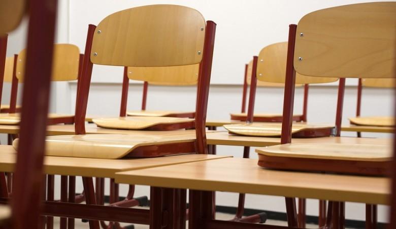 Минпросвещения опровергло информацию о досрочном завершении учебного года