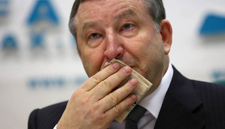 Экс-губернатор Алтайского края Карлин стал сенатором от региона