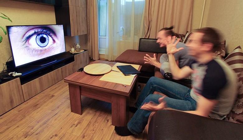 Почти половина россиян чаще всего смотрит Первый канал и «Россию 1»