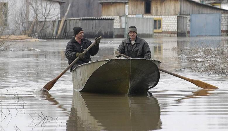 Жители Алтайского края начали возвращаться в свои дома, освободившиеся от паводка
