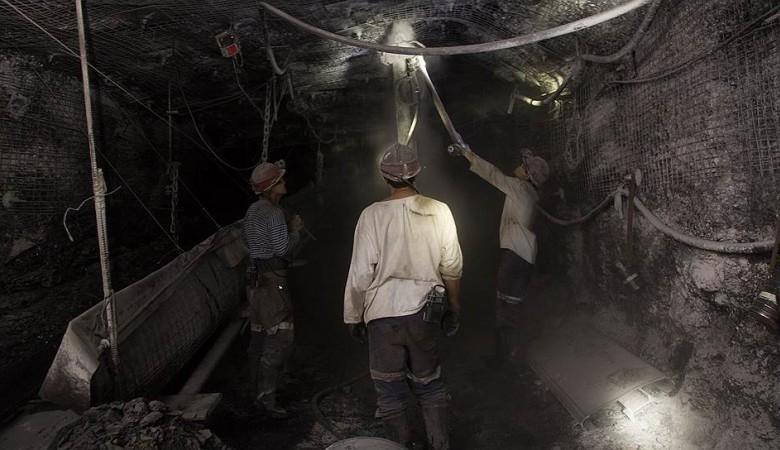 Задымление в шахте в Кузбассе, из которой эвакуированы рабочие, сохраняется
