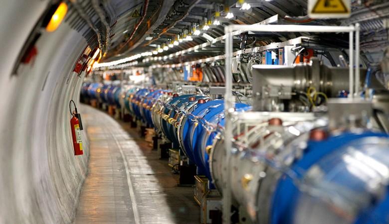 Физики испытали прототип ключевого детектора электрон-позитронного коллайдера нового поколения