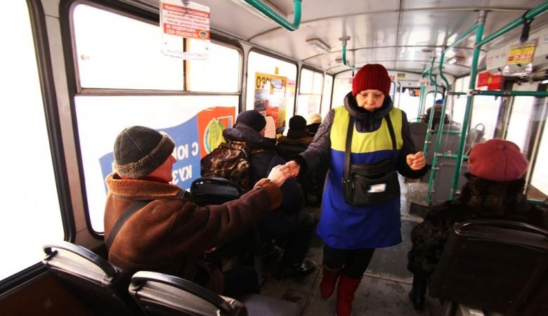 В Новосибирске кондуктор сбежал из автобуса