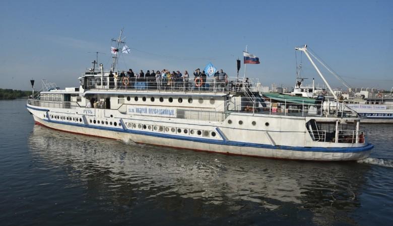 Корабль-церковь доставит святую воду и врачей в отдаленные села в Новосибирской области