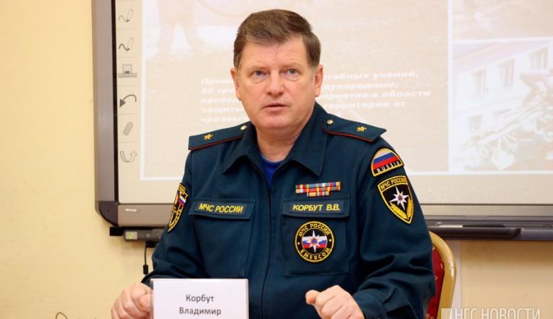 Глава омского МЧС ругался матом в штабе ЕР из-за вонючих выбросов в городе