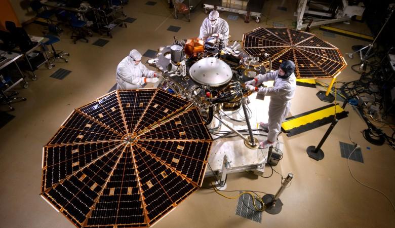 Ученые СФУ создали аппарат для обследования космических кораблей