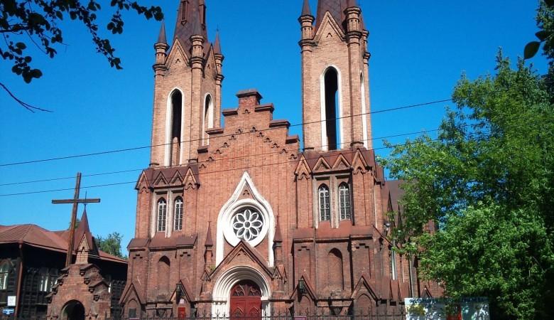 Католики требует в суде передать им костел с органом в Красноярске